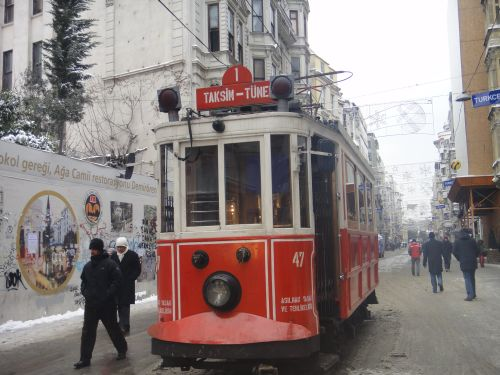 улица Истикляль Стамбул старый трамвай