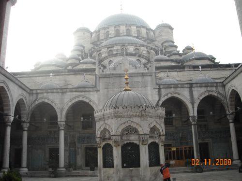внутренний двор новая мечеть йени джами