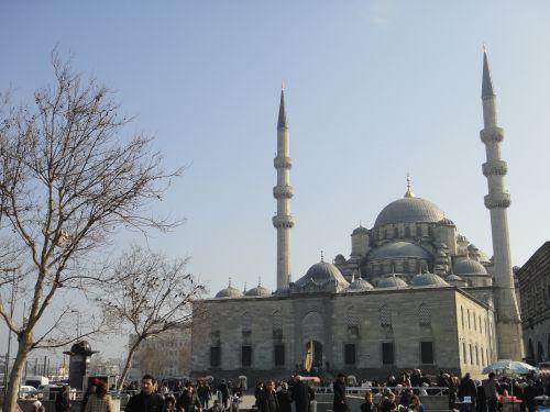 площадь перед новой мечетью йени джами