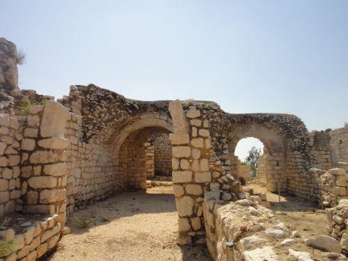 Элаусса Себасте старые арки