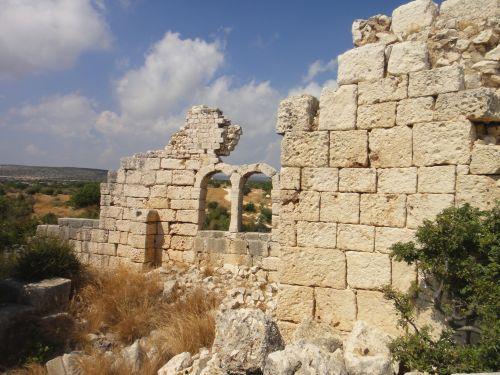 Элаусса Себасте стена церкви