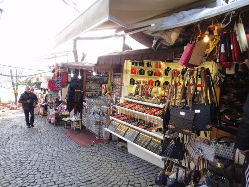 сувенирные лавки около Пьр Лоти в Стмбуле