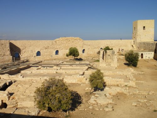 достопримечательности Кызкалеси крепость девичья центральная площадь