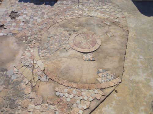 достопримечательности Кызкалеси крепость кызкалеси девичья мозаики