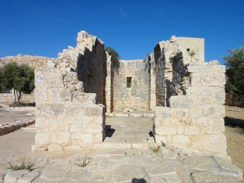 крепость кызкалеси девичья руины зданий