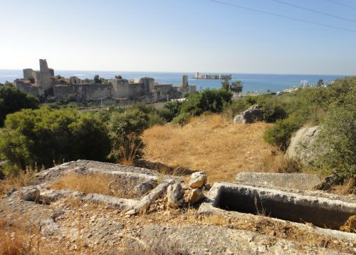 достопримечательности Кызкалеси некрополь древние могилы