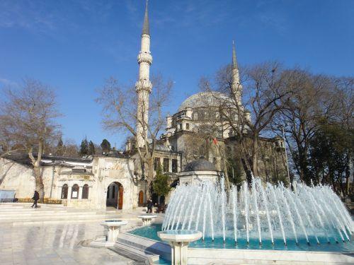 площадь перед мечетью Эйюпа