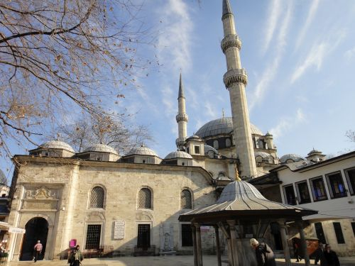 мечеть Эйюпа с шадырваном