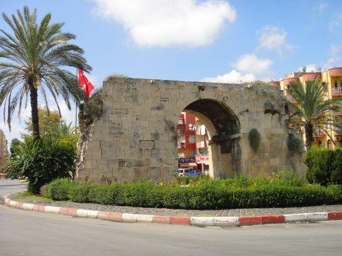 достопримечательности Тарсуса история Ворота Клеопатры