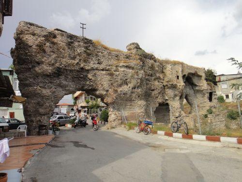 тарсус достопримечательности крепостная стена