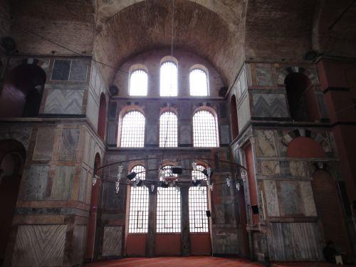 мечеть Календерхане мраморные стены