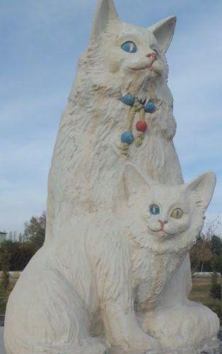 достопримечательности вана скульптура ванских кошек