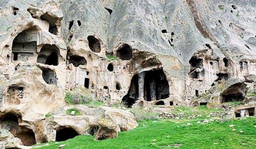 Долина Ихлара Селиме Каппадокия