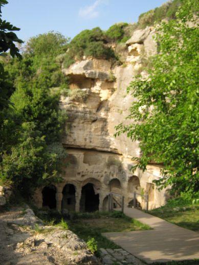 Чевлик Турция достопримечательности гробница Бешикли