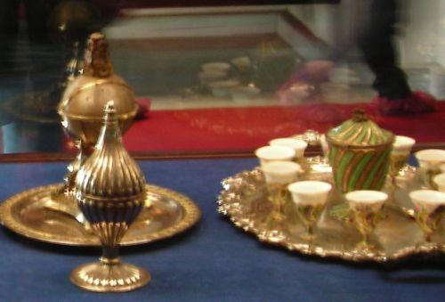 дворец долмабахче стамбул посуда