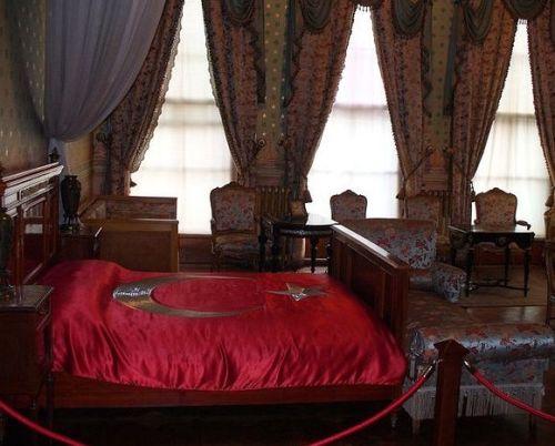 дворец долмабахче стамбул комната где умер ататюрк