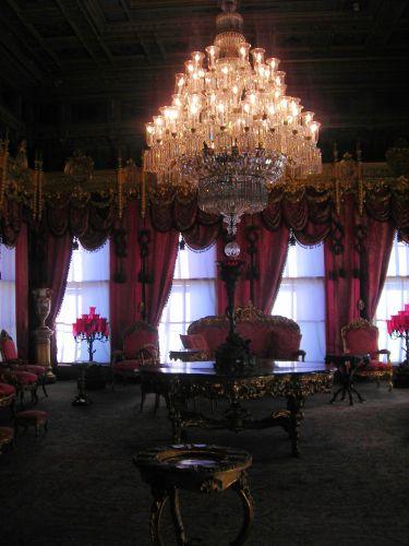 дворец долмабахче стамбул освещение