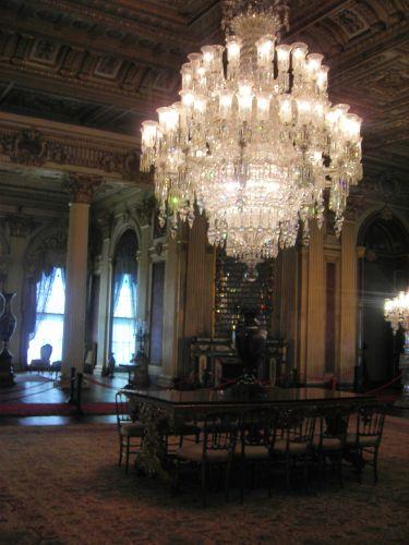 дворец долмабахче стамбул светильники