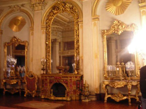 дворец долмабахче стамбул комнаты
