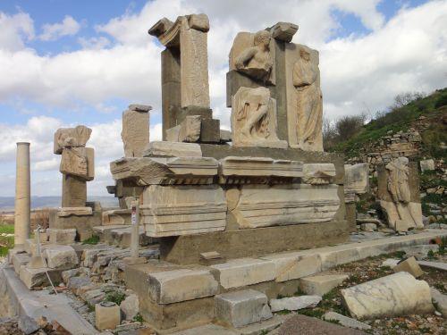 Эфес Турция Монумет Меммиуса