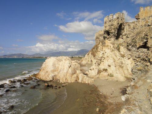 крепость мамуре mamure kale море
