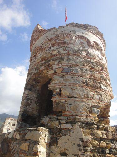 крепость мамуре mamure kale главная башня
