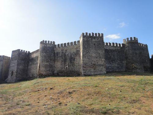 крепость мамуре mamure kale стены