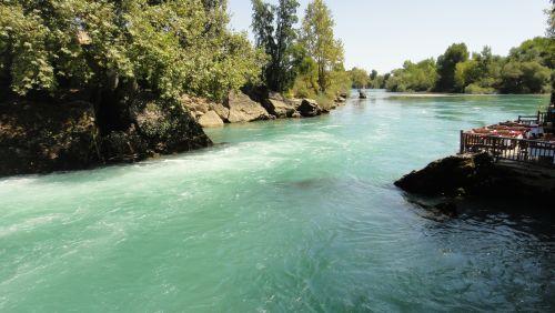 водопад Манавгат переходит в реку