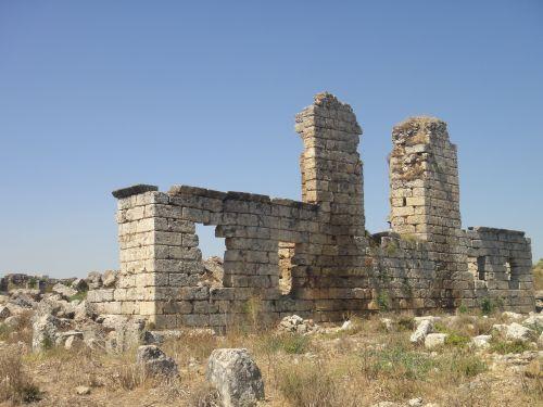 церковь в Перге VI век