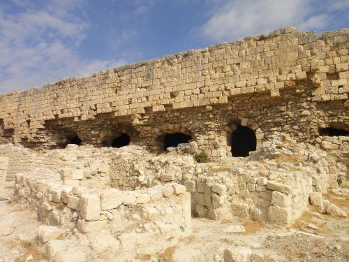 сохранившиеся здания крепости силифке