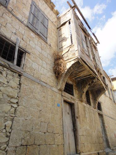 разрушающиеся старые дома силифке
