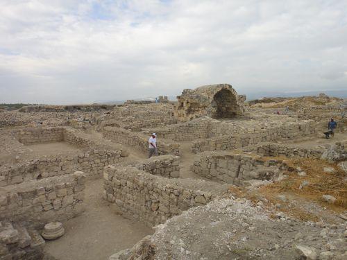 крепость силифке фундаменты зданий