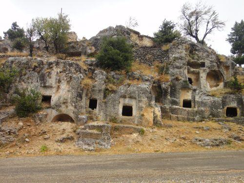 Узунджабурч uzuncaburc гробницы