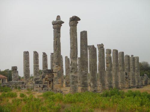 Узунджабурч uzuncaburc храм зевса
