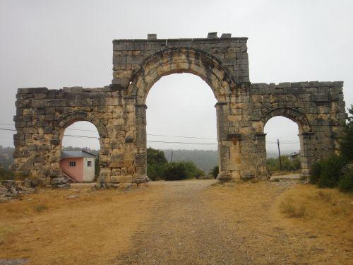 Узунджабурч uzuncaburc северные ворота