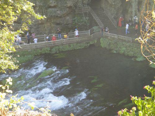 вид на смотровую площадку водопад верхний дюден анталья